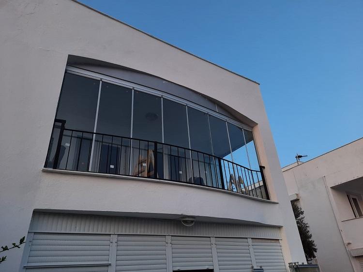 bayraklı cam balkon uygulaması