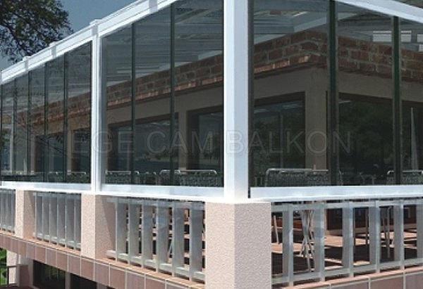 siyah renk cam balkon içeriyi karanlık yapar mı